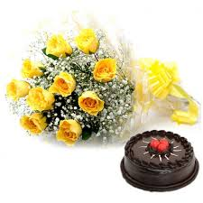 6 yellow roses with 1/2 kg chocolate cake