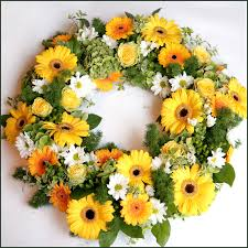 Wreath with 40 yellow flowers
