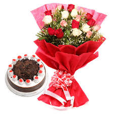 12 mix roses hand bouquet and 1/2 kg cake
