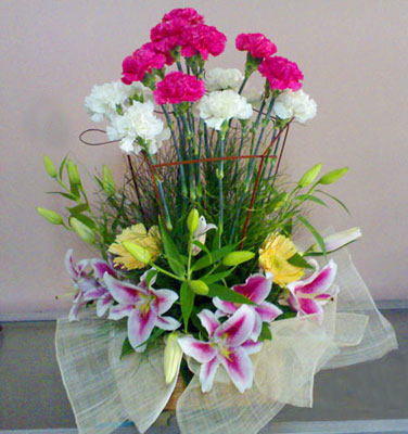Lilies and carnations arrangement