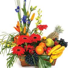 15 Flowers and 2 kg fruits basket