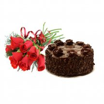 Six Red roses with 1/2 Kg Chocolate Excess Cake
