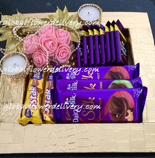 Decorated tray with 4 silk, 10 dairy milk, 2 pieces 5 star chocolates
