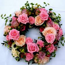 Wreath with pink flowers
